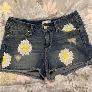 LAUREN CONRAD Diasy embroidered distressed shorts